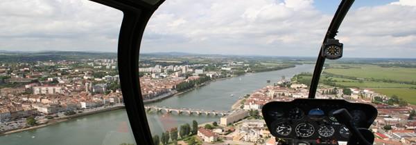 Vol en hélicoptère pendant les vacances