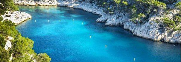 Louer un bateau à Marseille pour visiter les calanques