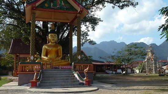 laos-temple-vang-vieng