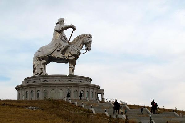 mongolie-la-place-gengis-khan