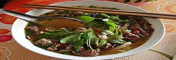 Visiter le Laos : goûter à la salade laotienne, un emblème de la cuisine locale