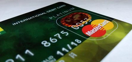 Les bonnes pratiques pour les cartes bancaires à l'étranger