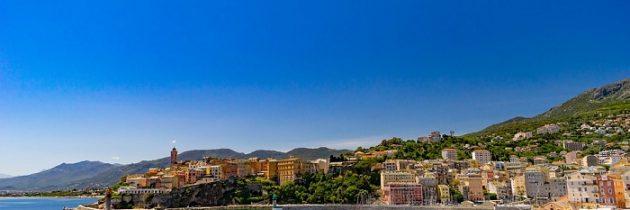 Comment trouver une location pour partir en Corse?