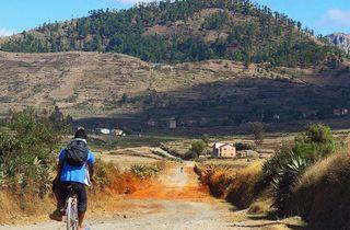Madagascar : balade à vélo d'Antsirabe au lac Tritriva