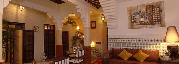 Un pays grandiose et voyage dans le passé, le Maroc