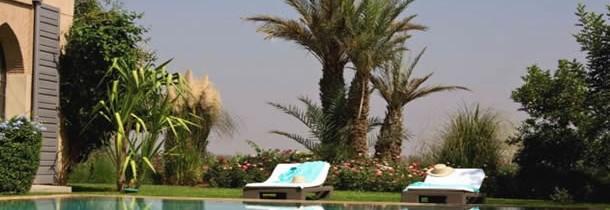 Location villa Marrakech avec piscine privée : pourquoi attendre les vacances scolaires ?