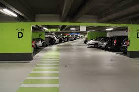 Les avantages de choisir un parking de longue durée quand on part en voyage